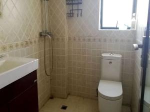 水岸新都一期 4室2厅 162.49㎡ 精装_水岸新都一期二手房卫生间图片12