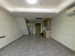 前海银鸿 4室2厅 45.67㎡深圳宝安区翻身二手房图片